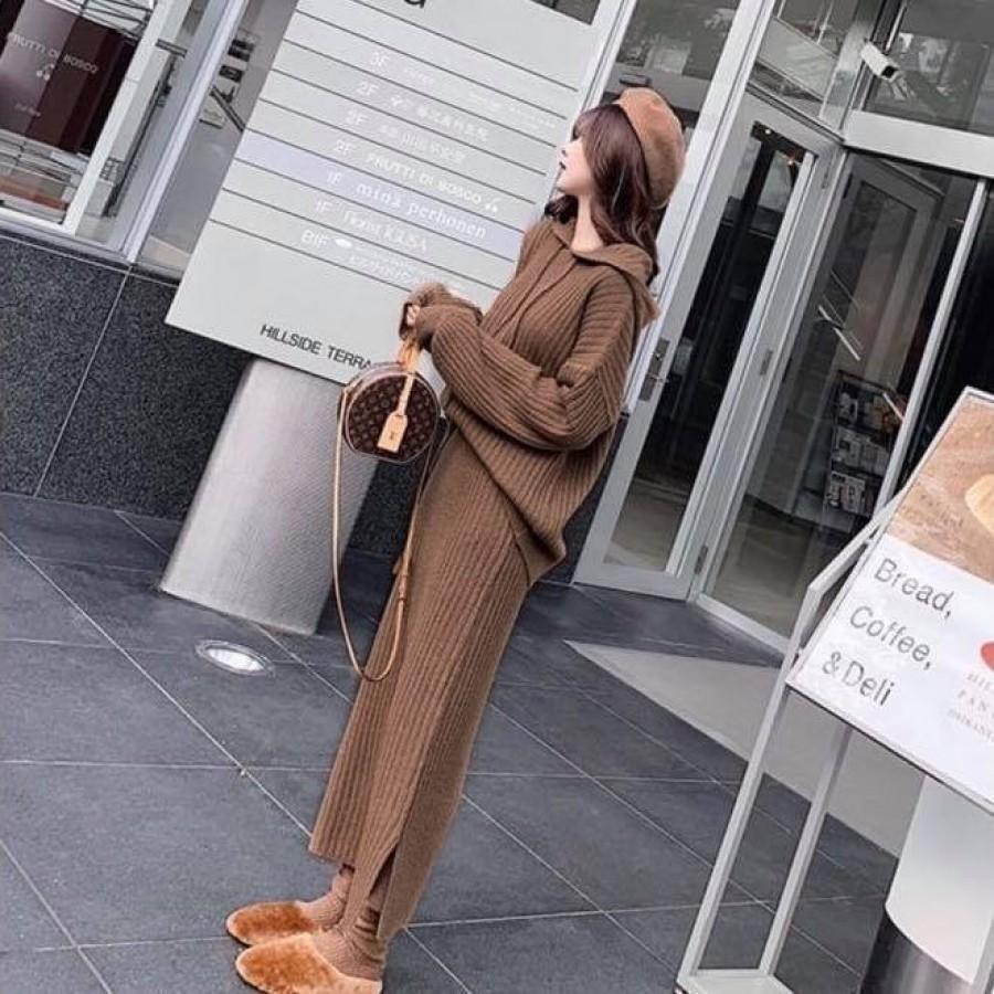 厚款针织宽松连帽上衣+宽松开叉半身裙套装