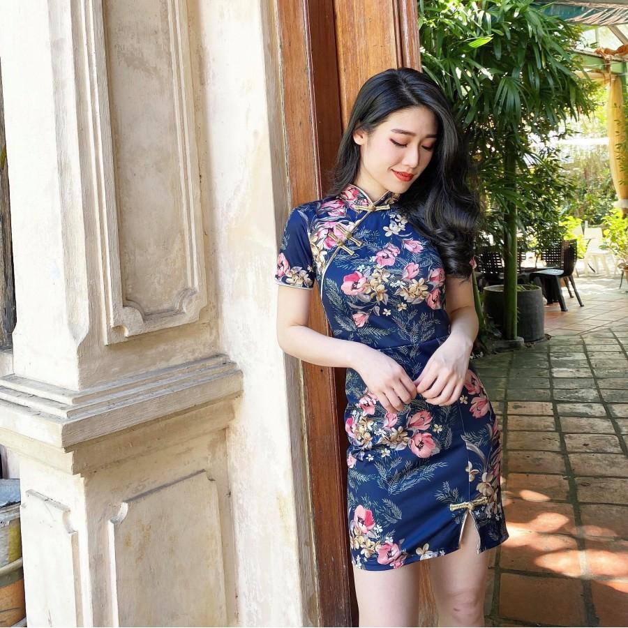 蓝色复古印花图修身旗袍