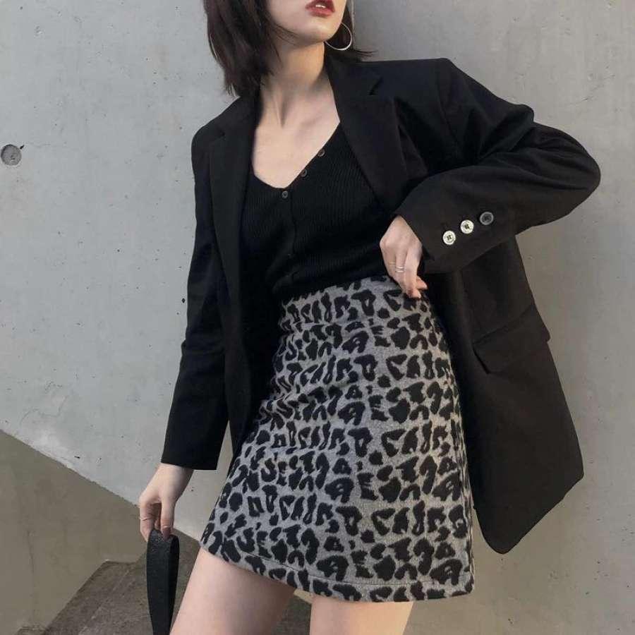 灰色高腰豹纹半身裙