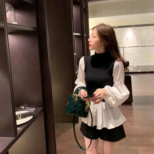 韩版拼接针织蓬蓬袖上衣