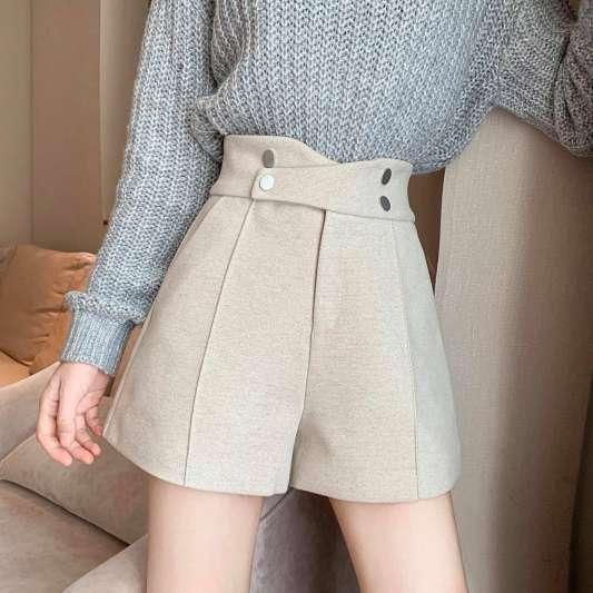 褐色小香风名媛阔腿高腰短裤
