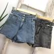 蓝色牛仔高腰镂空三扣短裤