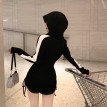 【预购】撞色连帽卫衣+修身抽绳短裤套装