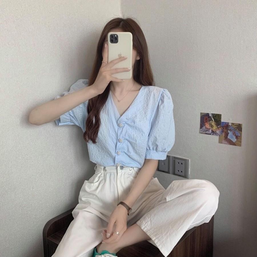 法式皱褶V领泡泡袖衬衫